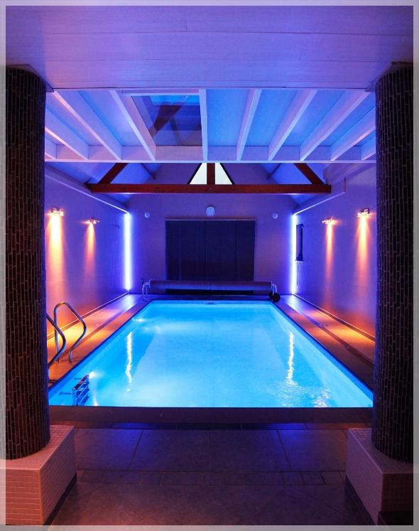 Prive Sauna Zwembad.Binnenzwembad Prive Sauna Aquasana Prive Sauna Aquasana In Oevel